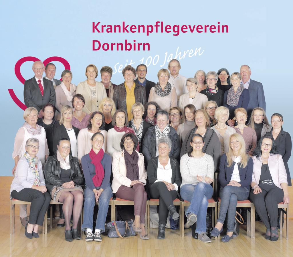 Mitarbeiter-Team, Bürgermeisterin Dipl.-Vw. Andrea Kaufmann und ehrenamtliche Vorstände des Krankenpflegeverein Dornbirn - Generalversammlung 2015