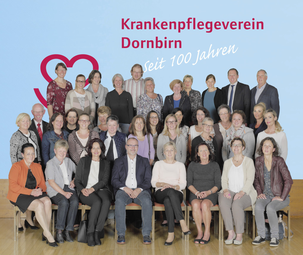 Mitarbeiter-Team und ehrenamtliche Vorstandsmitglieder des Krankenpflegeverein Dornbirn